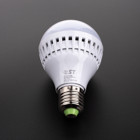 LED lampa 7W glob